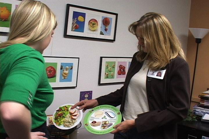 USC nutritionist Deborah Zipple says a balanced meal beats crash dieting.