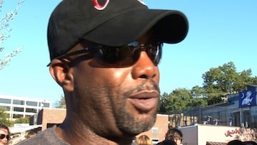 Darius Rucker, Hootie and the Blowfish singer and solo country music star says he's honored to have a sculpture recognizing the band.