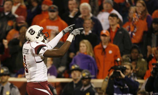 Sophomore wide receiver Alshon Jeffrey motions to the fans just after his touchdown.