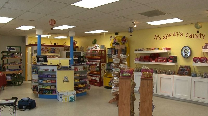 A USC class helped Dee Dailey open the Tic Toc Candy Shop in Columbia.