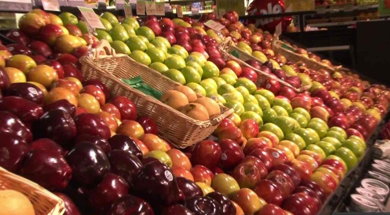The tour highlighted how to find healthy foods throughout the grocery store.