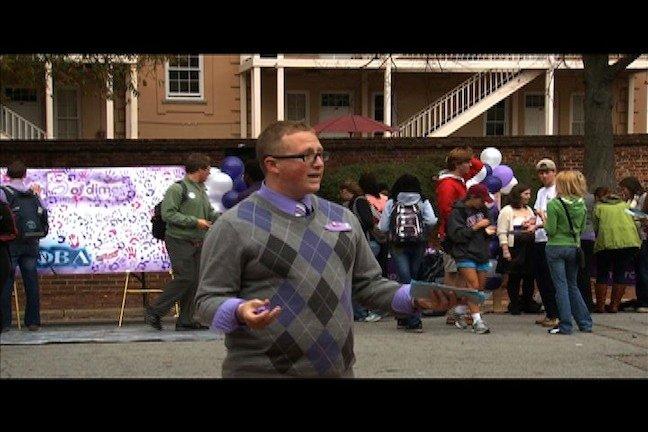 Iorio rallies students to leave their hand print