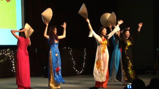 The Vietnamese Student Association puts on a traditional dance