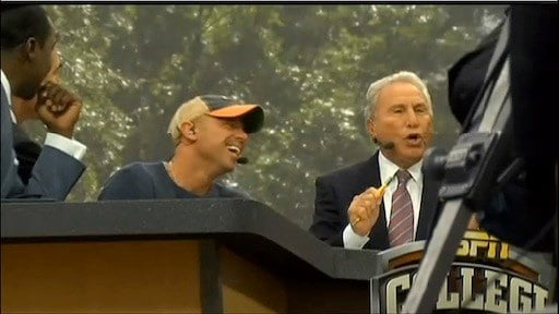 Music star Kenny Chesney  visited the Gameday set as a guest picker