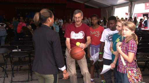 USC Professor, Jeff Wilson demonstrates the basketball and tennis ball experiment.