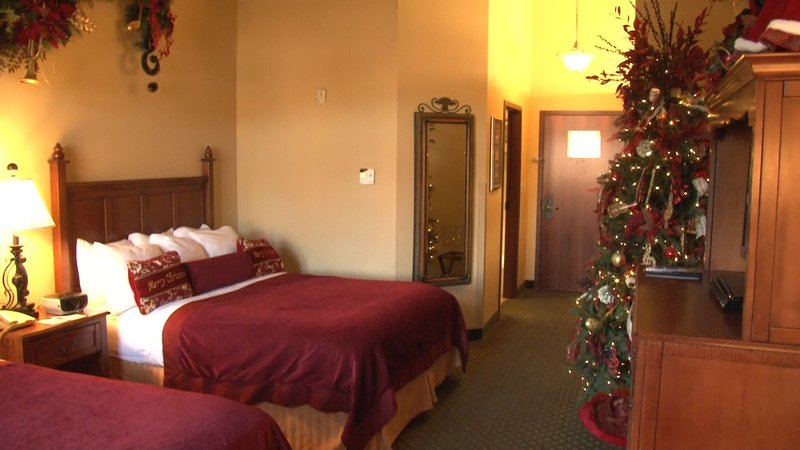Every room in the Inn includes a decorated Christmas tree. On Christmas Day, guests will wake up to a wrapped present under their tree from Santa.