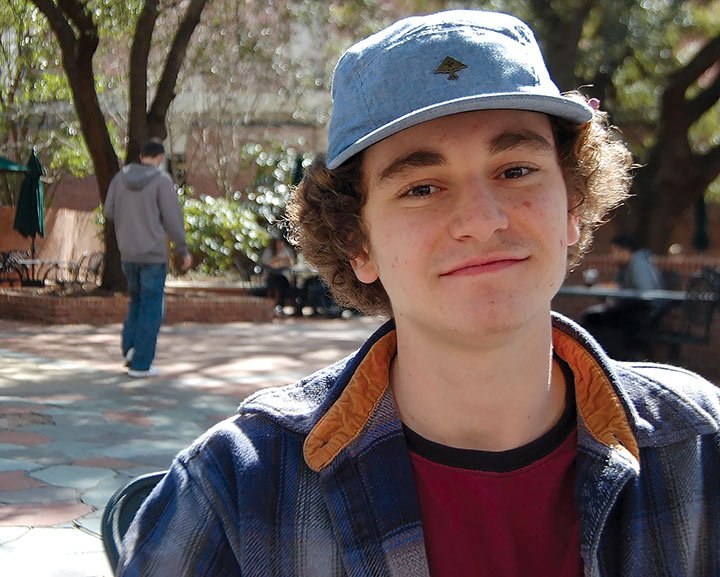 USC Sophomore, Ian Clough thinks more students should take advantage of seeing presidential candidates while they're in town. He thinks the percentage of students that vote is kind of pathetic.