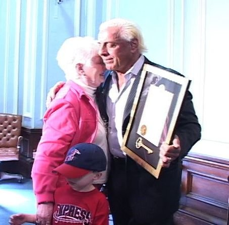 Ric Flair greets fans and gets the key to the city of Columbia.