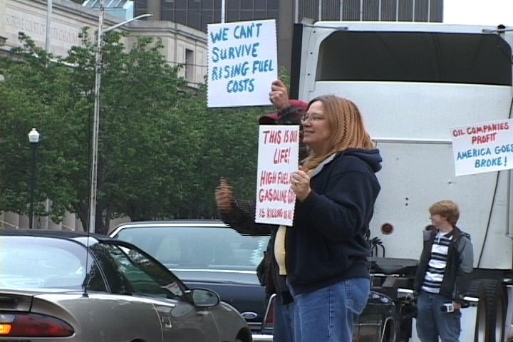 Truckers protested high gas prices Friday in front of the state house.